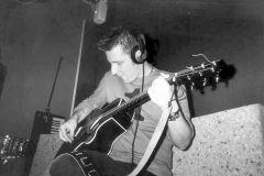 andy_guitar